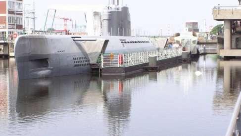 Polski resort obrony powinien zacząć realizować zaplanowany program Orka